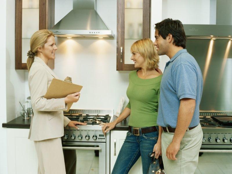 Сколько берут риэлторы за продажу квартиры