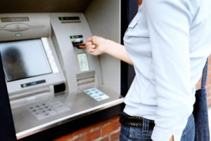 Украли деньги с карты Сбербанка: что делать и как вернуть
