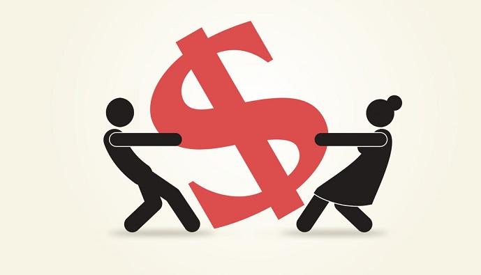 Отвечает ли жена за долги мужа и когда можно избежать выплат