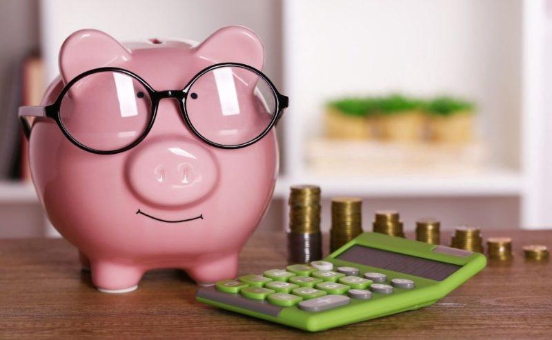 Сбербанк страхование: рассчитать онлайн калькулятор страховки жизни от несчастных случаев и здоровья человека, какой номер горячей линии банка России, что такое сберегательная страховая от sberbank, какая стоимость полиса в 2019 году?